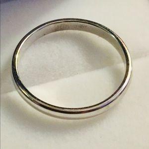 Jewelry - 10k white gold band